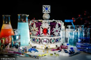 2607010E00000578-2966564-Physicists_have_grown_a_replica_of_the_Imperial_State_Crown_pict-a-1_1424775986494